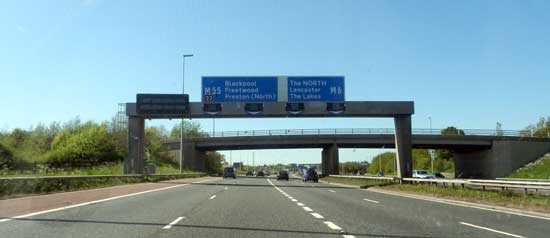 M6 Junction 32 approach, get into lane